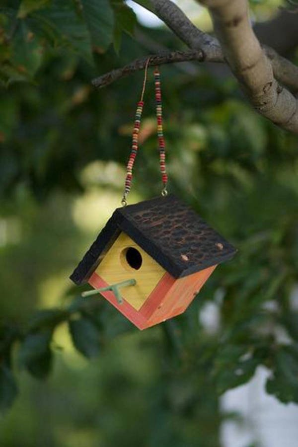 DIY Birdhouse Ornament - Small Woodworking Gifts For Beginning Woodworkers To Make.